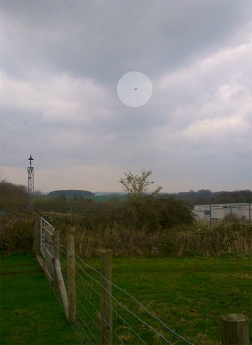 UFO over Hampshire. (Credit: Kenneth Parsons/British Earth and Aerial Mysteries Society)